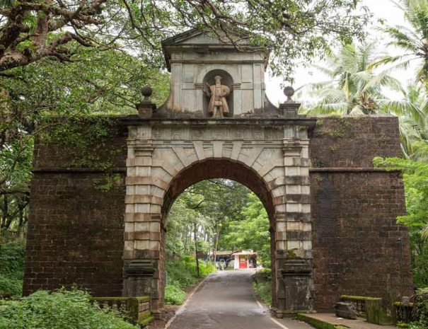 Viceroy's Arch, Old Goa Walk